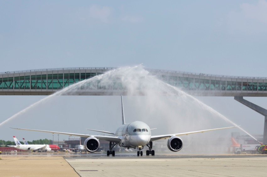 Qatar Airways launches double-daily B787 services to Gatwick