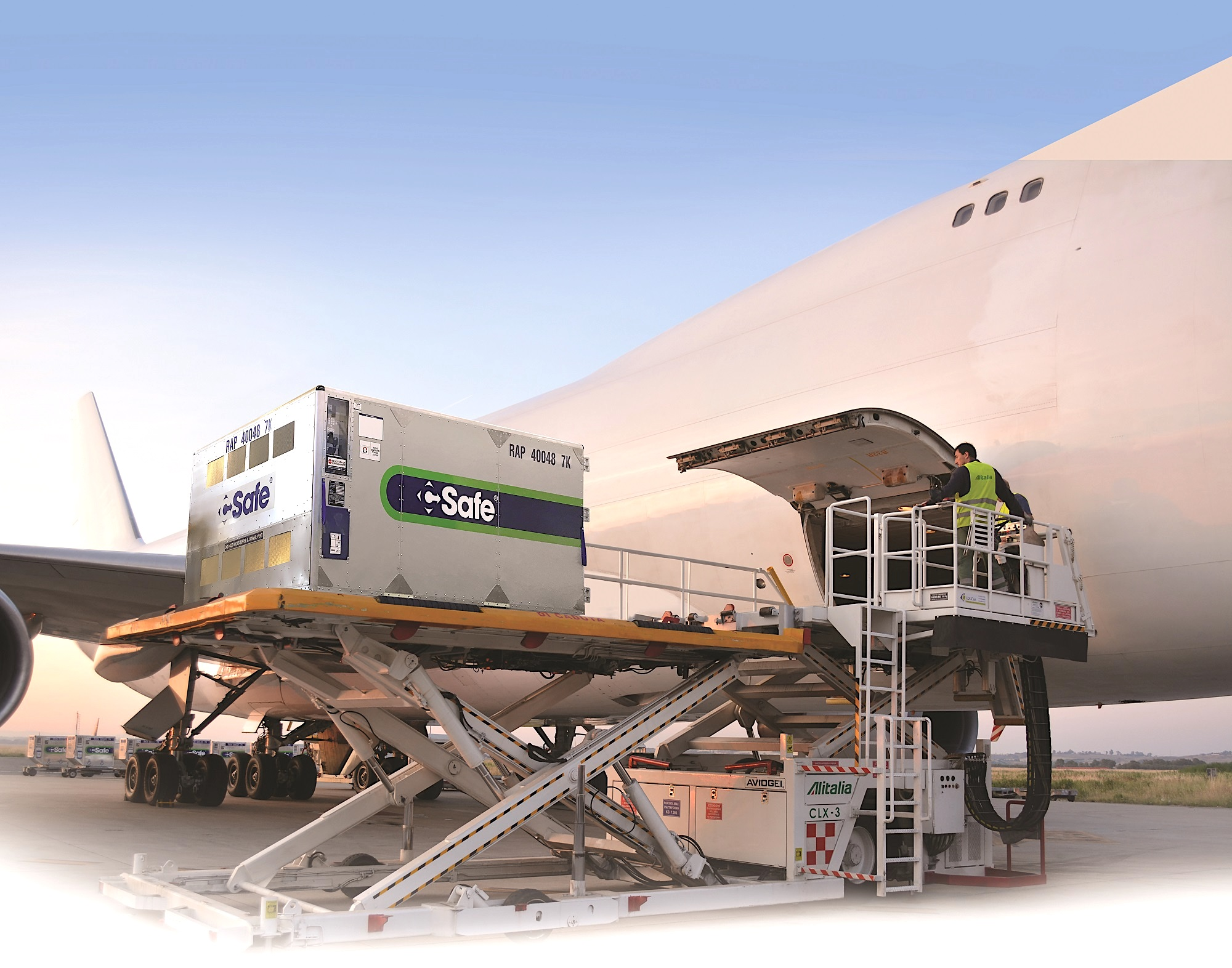 United Cargo becomes first US carrier to approve CSafe RAP