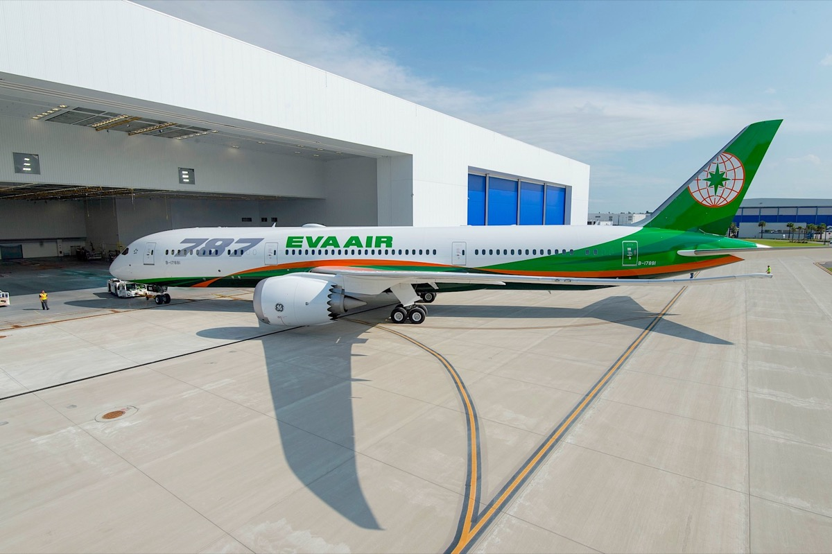 EVA Air takes delivery of first of 24 B787 Dreamliners on order