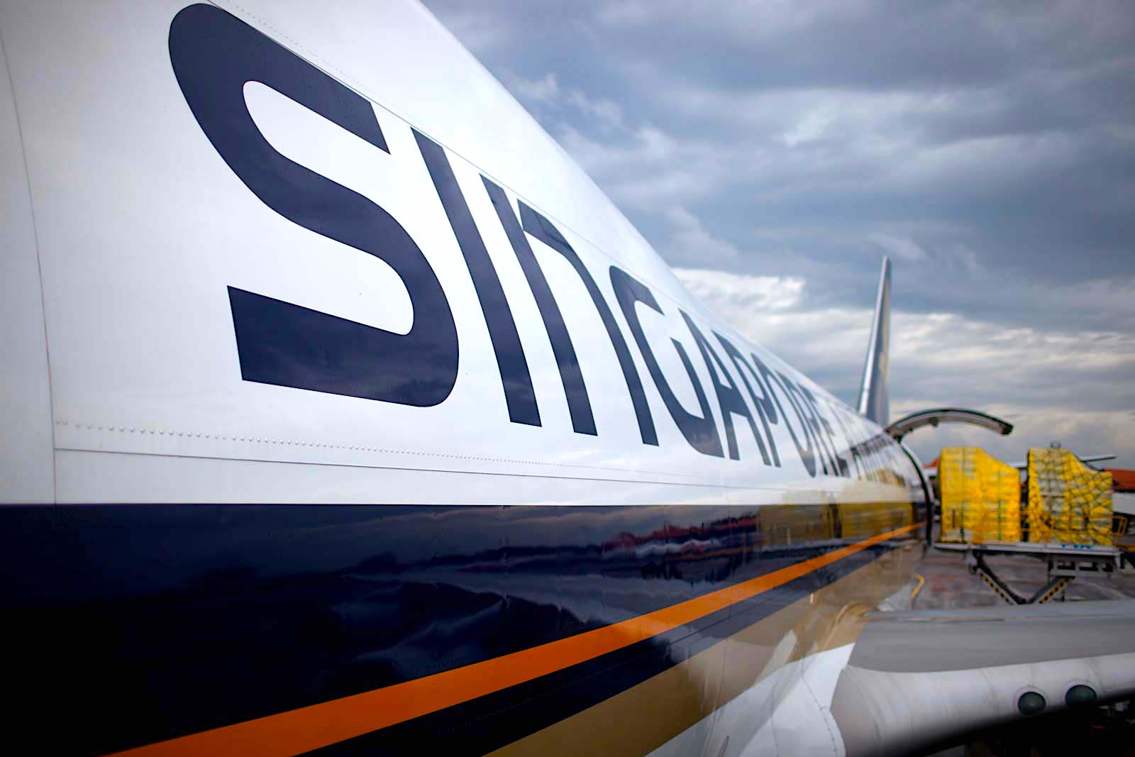 Singapore Airlines sees 9.7% cargo decline in Sept