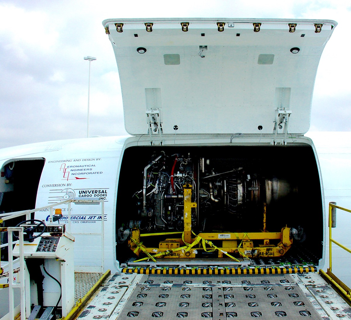 AEI undertakes another B737-400SF conversion for Automatic
