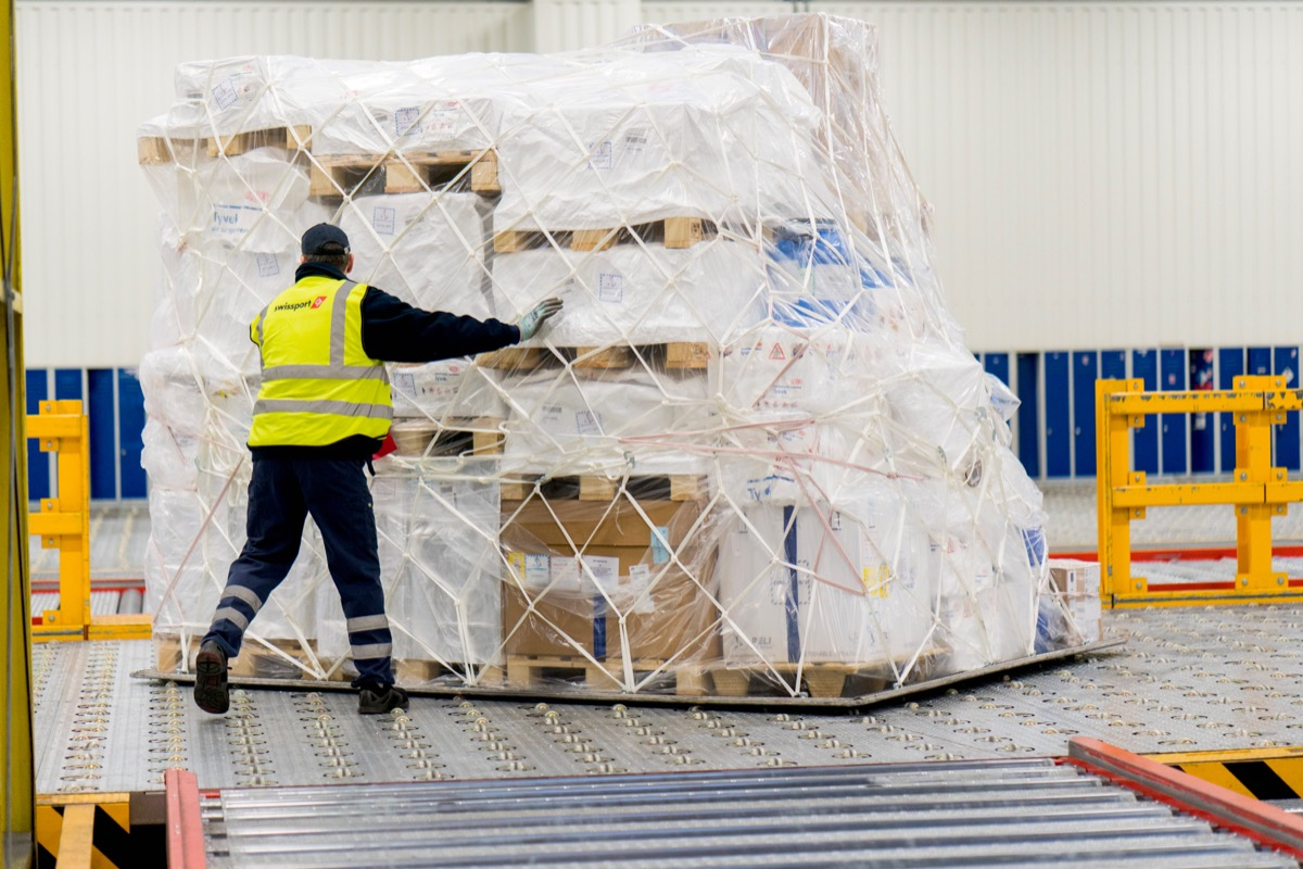 Swissport becomes first CEIV Pharma cargo handler in Canada
