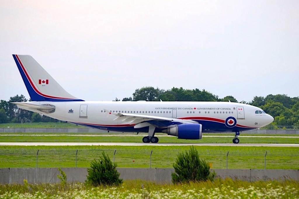 canadian prime minister aircraft