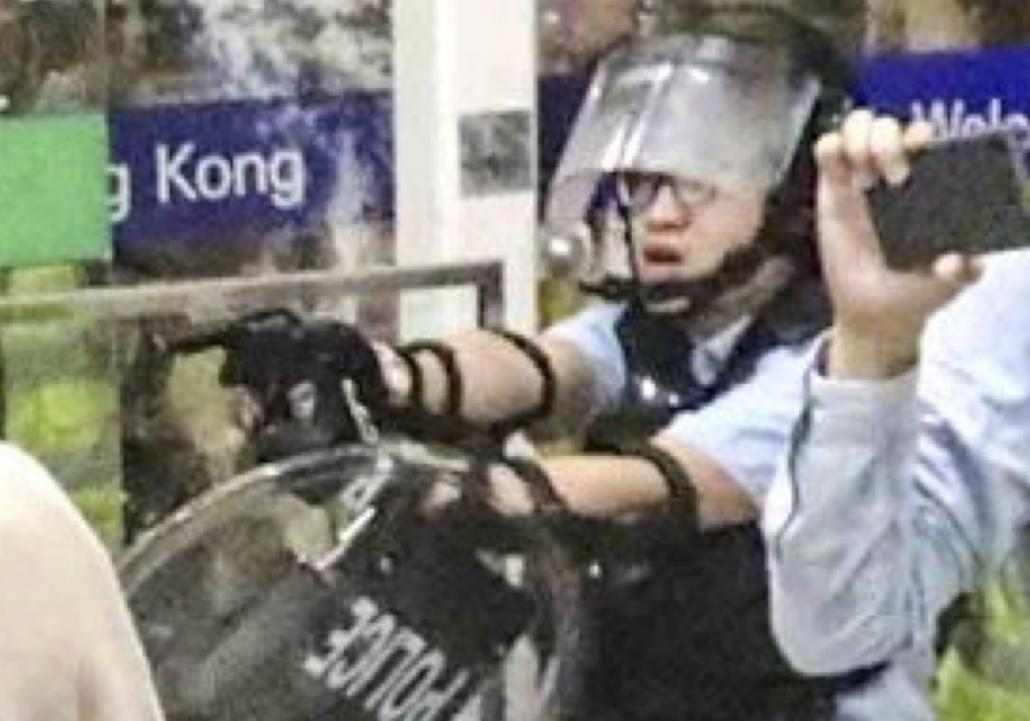 UPDATE: Chaotic scenes at HKIA as riot police break up protest