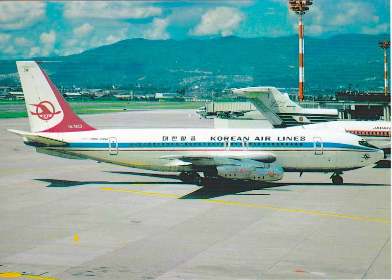 Boeing 720 aircraft