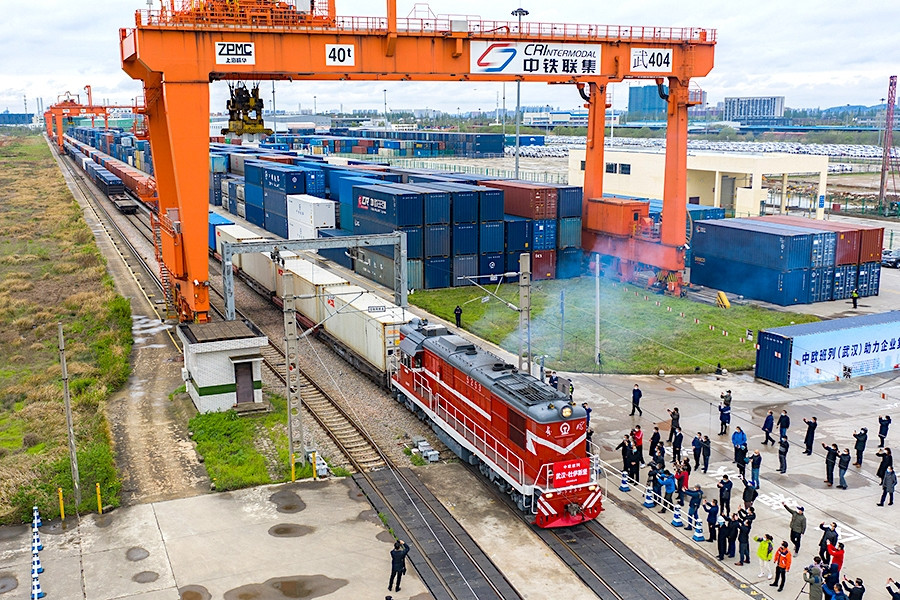 China-Europe freight train service resumes from Wuhan