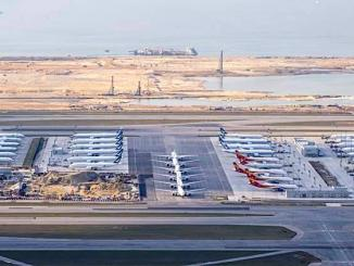 HKIA parked planes